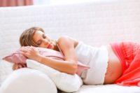 Как спать во время беременности: полезные советы