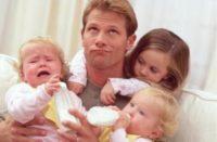 Отпуск по уходу за ребенком может взять папа