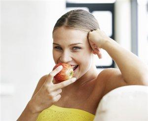Вред яблок при беременности
