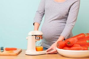 Свежие фрукты и соки при беременности