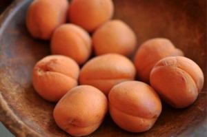 Вредные свойства абрикосов при беременности