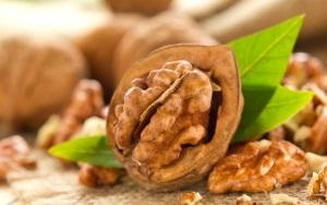 Грецкие орехи при беременности: меры предосторожности