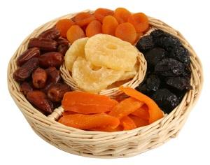 Сухофрукты содержат много витаминов