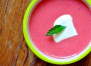 Способы употребления ревеня: суп
