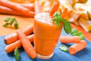 Морковный сок при беременности: меры предосторожности