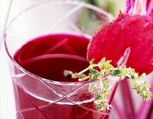 Полезные и вредные свойства свекольного сока при беременности