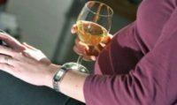 Белое вино при беременности: польза и вред