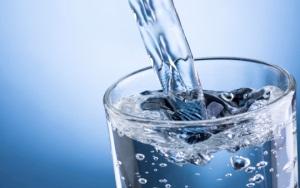 Минеральная вода при беременности: меры предосторожности