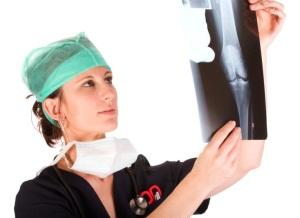 Чем опасны переломы костей при беременности?