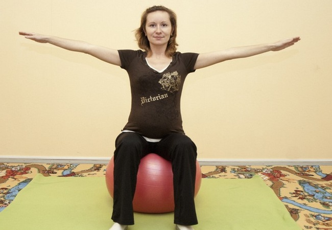 Домашние упражнения для беременных Упражнения Кегеля для беременных Упражнения на фитболе для беременных Какие упражнения можно делать беременным