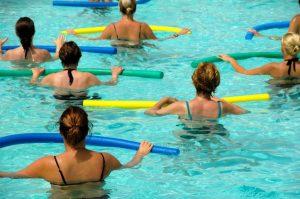 Сколько можно плавать беременным в бассейне