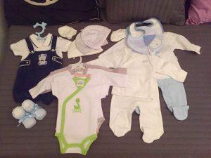 Вещи на выписку для новорожденного весной. Что нужно на выписку из роддома ребенку? Готовый комплект или одеяло – что лучше