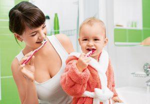 Лечение зубов и удаление при грудном вскармливании: что важно знать?