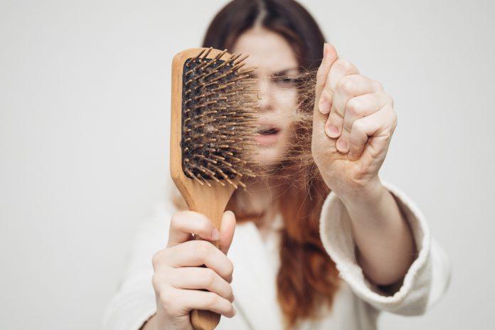 Кормлю грудным молоком выпадают волосы что делать